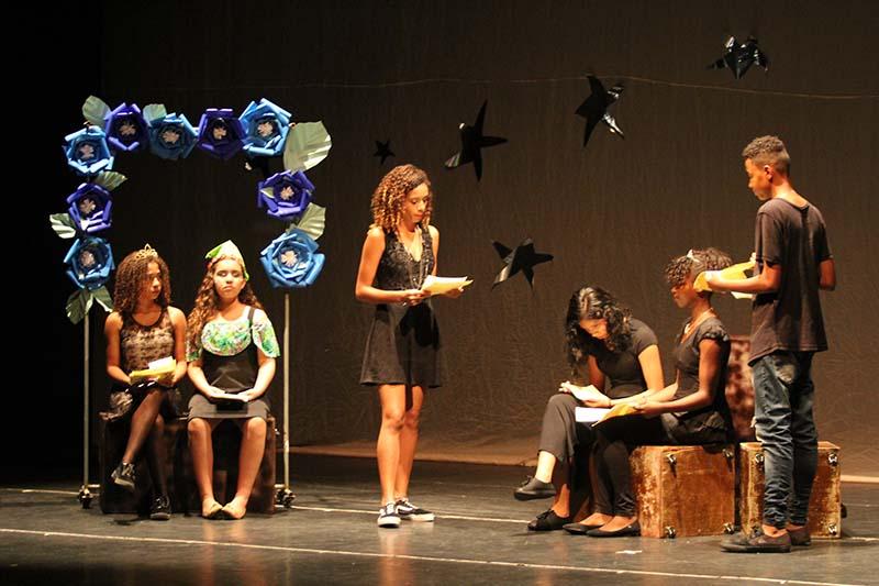 Inscrições nos cursos de teatro abrem à zero hora desta sexta